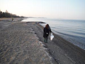 湖岸沿いゴミ拾い活動